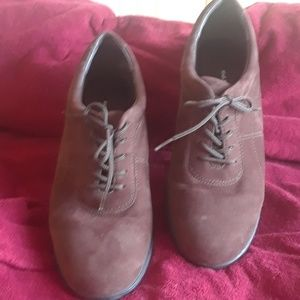 Easy Spirit lace up casual shoes